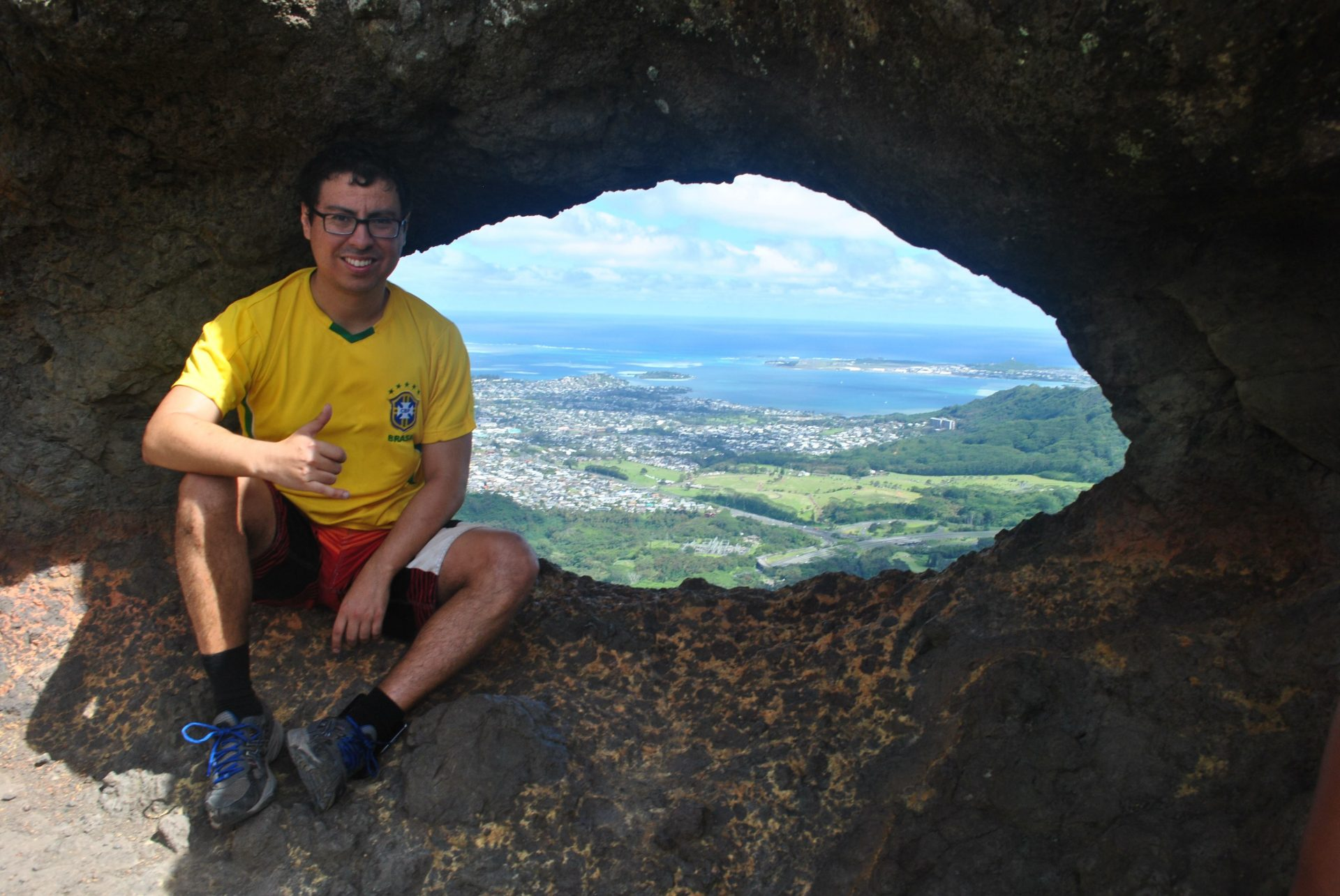 My Couchsurfing Diaries: Chris Rojas (O'ahu, Hawaii)