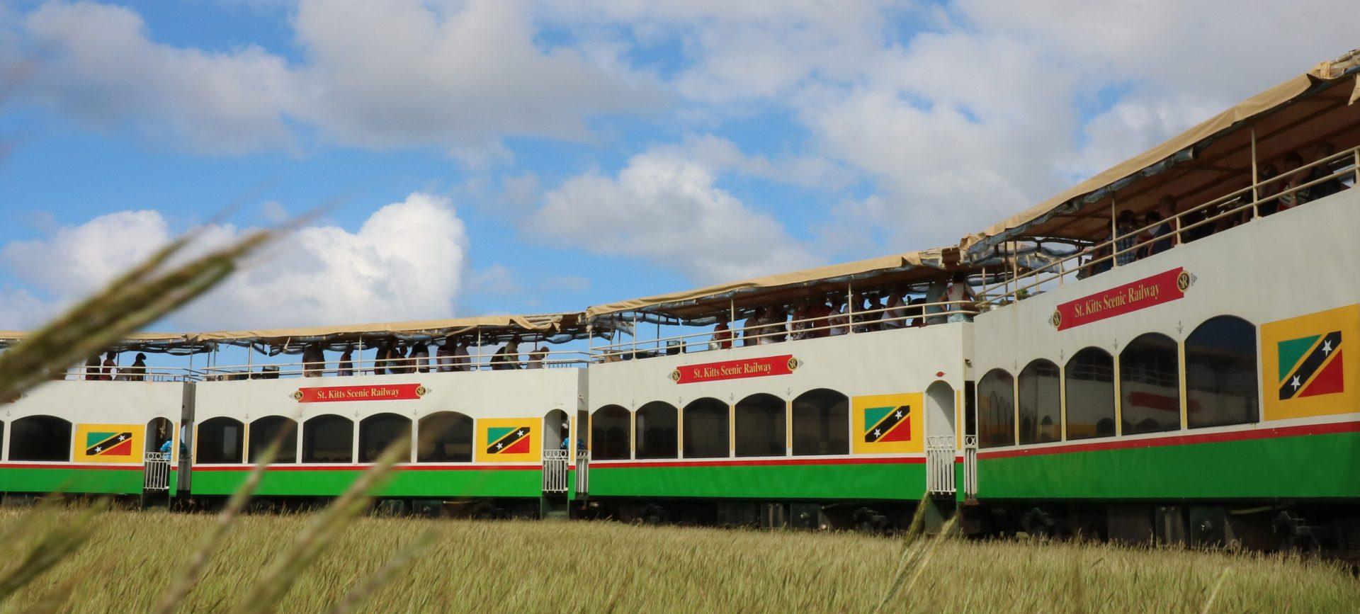 De Catamaran e Comboio por St. Kitts