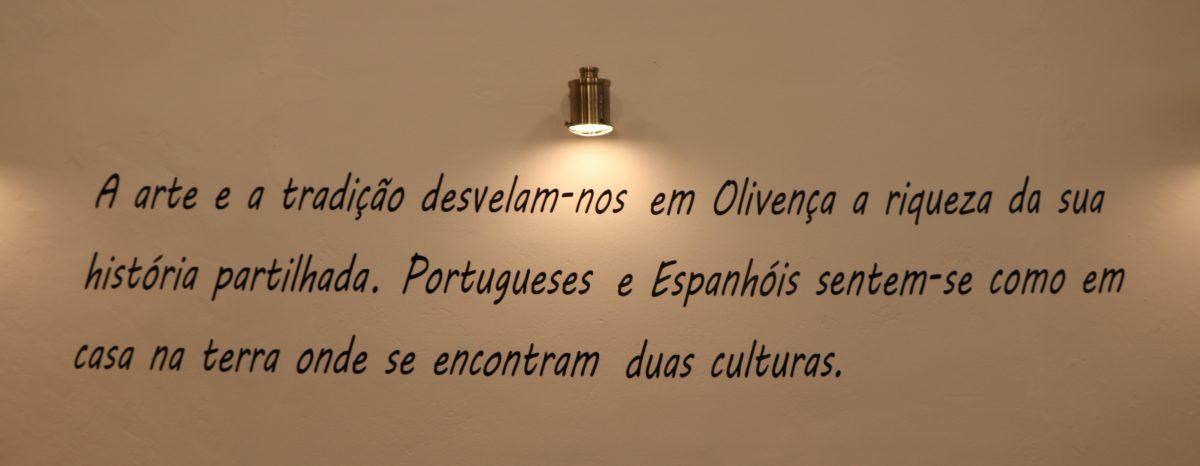 frase na parede do restaurante Casa Malia, em Olivenza